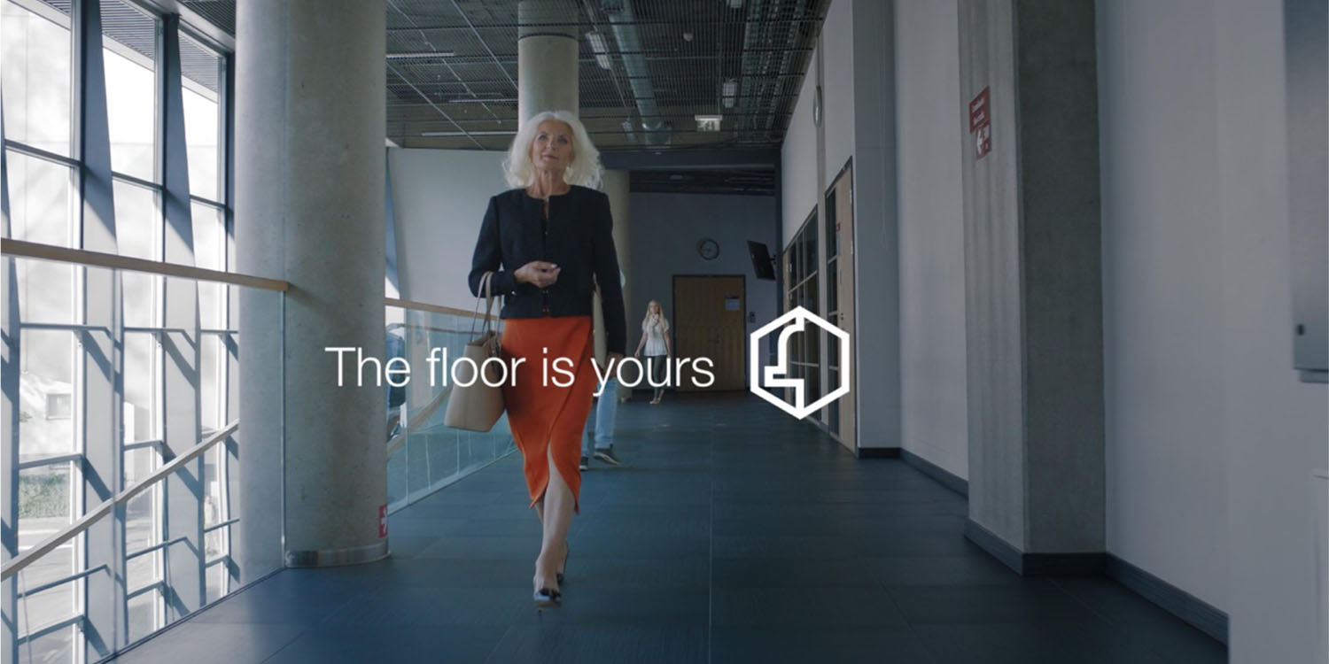 De Bijenkorf lanceert nieuwe campagne: 'The floor is yours'